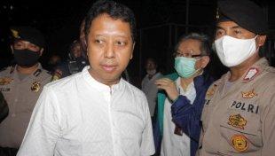 Wajah Sumringah Rommy Saat Bebas Dari Tahanan KPK