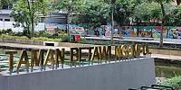 Anies Bagikan Foto Taman Betawi, Netizen Malah Berkelakar Soal Mural