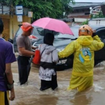 Jakarta Kelelep, 200 RW Kebanjiran Dan 3.565 Orang Ngungsi