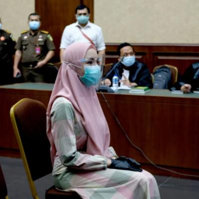 Berbusana Muslim Di Sidang Perdana, Jaksa Pinangki Tobat?