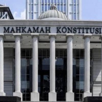 Pansel Serahkan 3 Nama Calon Hakim MK ke Jokowi
