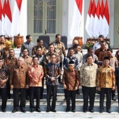 Jokowi Dan Kabinetnya Diminta Cuti, Biarkan Anies Urus Corona