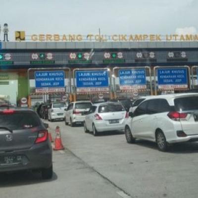 Tol Cikampek Juga Macet, 185.916 Kendaraan Tinggalkan Jakarta