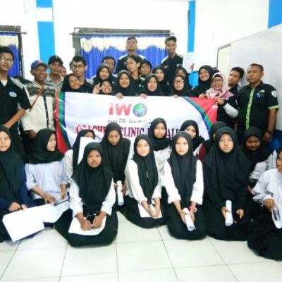 Siswa SMK BKM 2 Dilatih Ilmu Jurnalis Oleh IWO Kota Bekasi