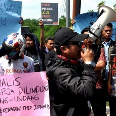 Jurnalis Dianiaya Saat Liput Aksi Demo UU Cilaka