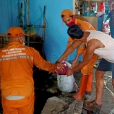 Hujan Deras Dinihari, Warga Penjaringan: Terimakasih Pak Wali Sudah Buat Tidur Kami Nyenyak
