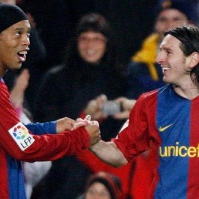 Ronaldinho Ungkit Bantuan ke Lionel Messi