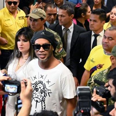 Penari Peti Mati Ingin Angkut Ronaldinho ke Kuburan