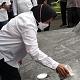 Bersihkan Makam Bung Karno, Pengamat Ini Bandingkan Risma Dengan Ganjar Pranowo
