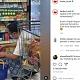 Viral! PPKM Diperpanjang, Pria Bersarung Borong Kondom