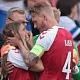 Viral, Momen Simon Kjaer Tenang Istri Christian Eriksen yang Kolaps di Piala EURO 2020